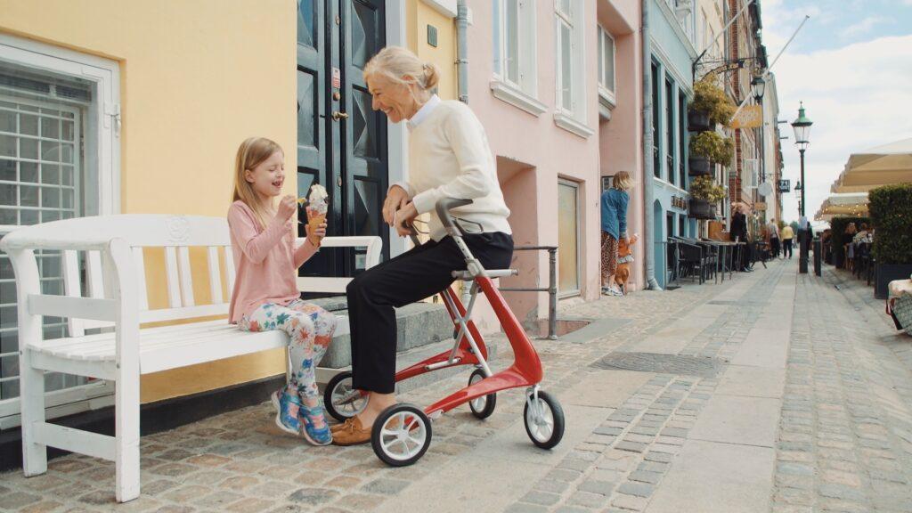 Nieuw bij ZORGBROEDER - De Lichtste rollator op de markt By ACRE rollators