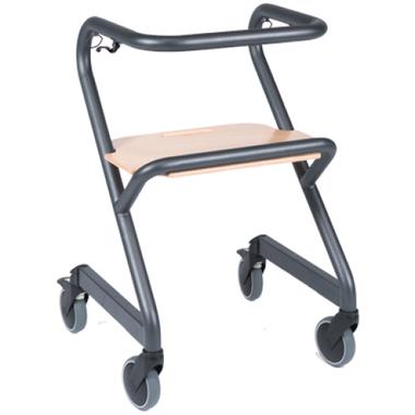 Unieke binnenrollator, ook te gebruiken als trippelstoel